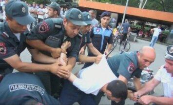 Armėnijoje išvaikytas opozicijos protestas