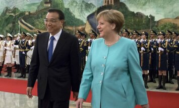 Li Keqiang and Angela Merkel