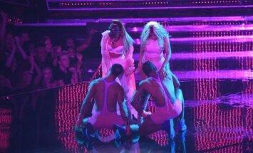 Nicki Minaj ir Ariana Grande pasirodymo akimirkos