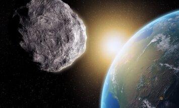 """""""Penktadienį į Žemę rėšis gigantiškas asteroidas""""? Nesąmonė!"""