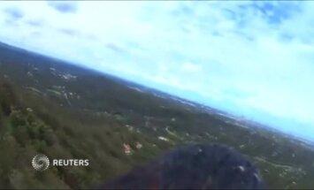 Erelis su pritvirtinta kamera filmuoja Australiją: Aukso kranto vaizdai