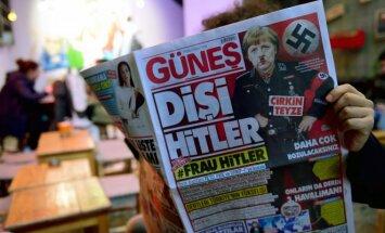 Angela Merkel pristatyta kaip Frau Hitler