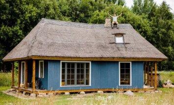Šiaudinis Raimondo Bružo namas