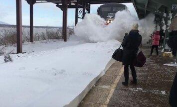 Traukinio laukę keleiviai labai rizikavo