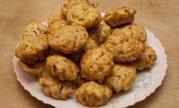 Sūrio pyragėliai su kumpiu