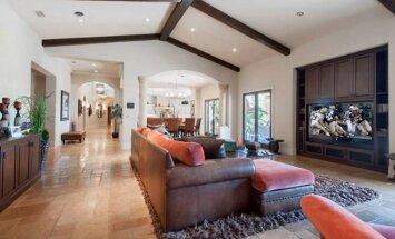 """<span style=""""color: #ff4040;"""">Įžymybės namai:</span> pamatykite, kokioje prabangoje gyvena atlikėja Mariah Carey"""