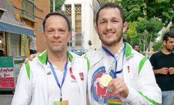Mantas Sinkevičius su treneriu