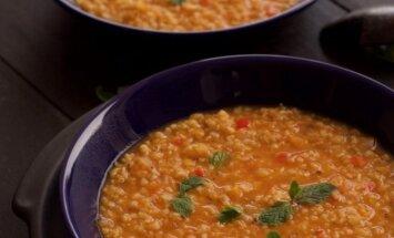 Gardi lengva vakarienė: raudonųjų lęšių ir bulguro kruopų sriuba
