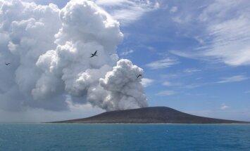 Išsiveržęs ugnikalnis sukūrė naują salą