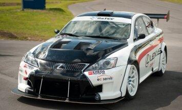 Lexus LT komanda pristatė savo automobilį