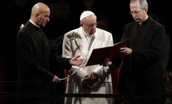 Popiežius Pranciškus meldėsi per Didžiojo penktadienio mišias