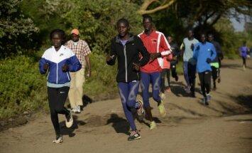 Treniruojasi olimpinės Pabėgelių komandos nariai