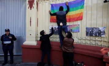 Čečėnijoje persekiojamos LGBT bendruomenės nariai