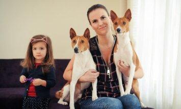 D. Urbonienė su dukra ir augintiniais