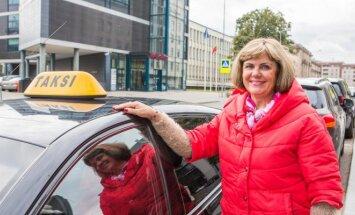 Taksi automobilį vairuojanti Irena Platukienė