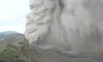 Įspūdingi vaizdai: griaudėjantis Turialbos ugnikalnis Kosta Rikoje