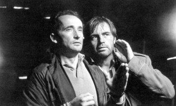 """Vytautas Žalakevičius with L. Noreika (on the right) while shooting Nobody Wanted to Die (""""Niekas nenorėjo mirti"""") (A.Zavackio photo)"""