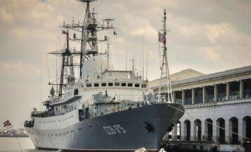 """Rusijos žvalgybos laivas """"Viktor Leonov"""" Havanoje, Kuba"""
