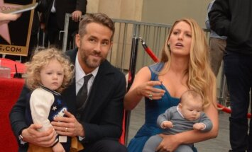 Ryanas Reynoldsas ir Blake Lively su dukromis