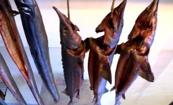 Lietuvių itin mėgstama, nors sveikatai nelabai naudinga: kaip rūkoma žuvis?