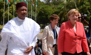 Angela Merkel ir Nigerijos prezidentas Mahamadou Issoufou