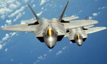 JAV naikintuvai F-22