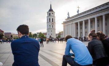 Pirmos dronų varžybos Lietuvoje – Vilniaus Katedros aikštėje