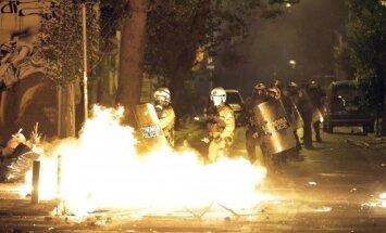 Riaušės Atėnuose prieš B. Obamos vizitą
