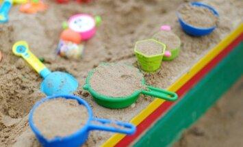 Pasidaryk pats: vasariška smėlio dėžė vaikams