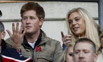 Princas Harry ir Chelsy Davy stebi regbio rungtynes Londone (D.Britanija)