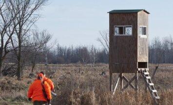 Medžiotojai traukia į medžioklę