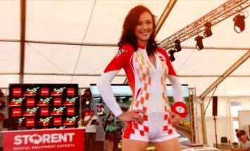 """Lenktynių savaitgalis Palangoje: skriejantys """"Porsche"""" ir """"Mis Racing"""" žavesys"""