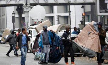 MIgrantai iš Kalė stovyklos kuriasi Paryžiuje