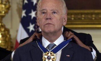 Joe Bidenas apdovanotas Laisvės medaliu