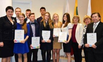 Daina Gudzinevičiūtė su jaunimo žiemos olimpinių žaidynių dalyviais