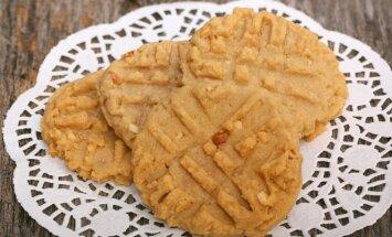 Sviestiniai sausainiai su žemės riešutais