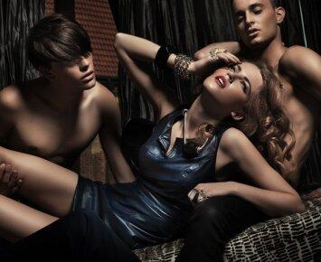 Grupinio sekso drama Maskvoje: vienas meilužis iškrito pro langą, kitas pasislėpė spintoje