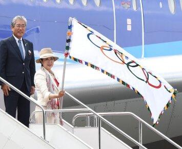 Olimpinė vėliava – jau Tokijuje