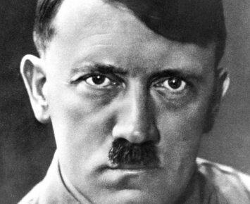 Mokyklos vadovybė raudo iš gėdos: prizas už geriausią kostiumą - Adolfu Hitleriu persirengusiam moksleiviui