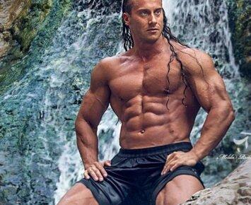 Profesionalaus atleto mityba: ką renkasi Lietuvos Tarzanas?