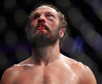 Perdozavęs narkotikų UFC kovotojas pateko į komą