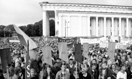 Lietuvos Persitvarkymo Sąjūdžio suorganizuotas mitingas Katedros aikštėje