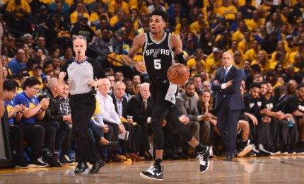 """""""Spurs"""" įžaidėjo Murray trauma – rimtesnė, nei manyta: gali praleisti visą reguliarųjį sezoną"""