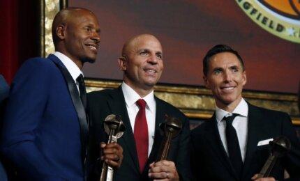 NBA legendos Nashas, Kiddas, Allenas ir Hillas žengė į Šlovės muziejų
