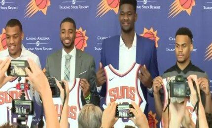 """""""Suns"""" patvirtino išankstines pakviesdami vidurio puolėją DeAndre Aytoną"""