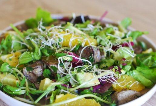 Vištų kepenėlių salotos