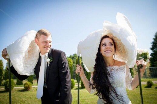 """10 dalykų, kurių geriau nedaryti, jei <span style=""""color: #ff0000;"""">nenorite sugadinti prisiminimų</span> apie savo vestuves"""