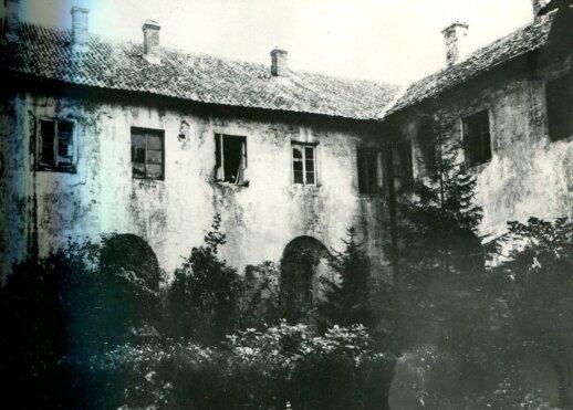 Vienuolyno vidinis kiemelis prieš 1933 m. rekonstrukciją
