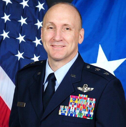 generolas Davidas W. Alvinas