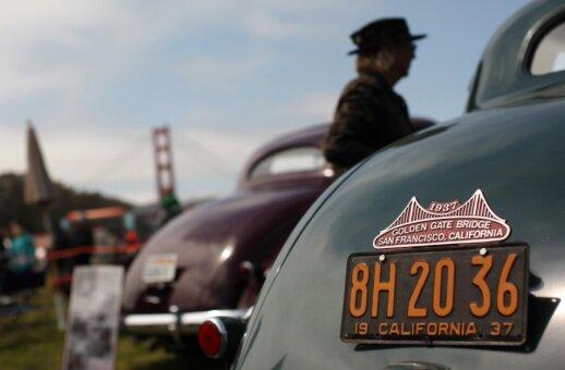 Dešimtys tūkstančių žmonių San Fransiske šventė 75-ąjį tilto gimtadienį